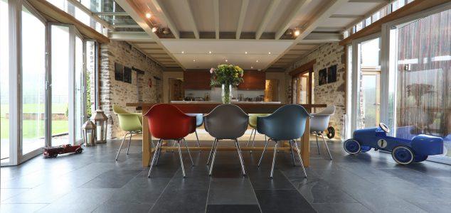 Grand Designs House, Hillcott Barn, Kitchen, Dining